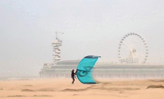 Surfer Scheveningen.